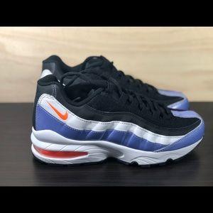 Nike Air Max 95 LE Big Kids Size 5Y
